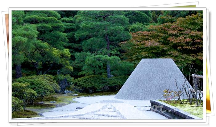 銀閣寺(慈照寺)の向月台でわびさびを学ぶ