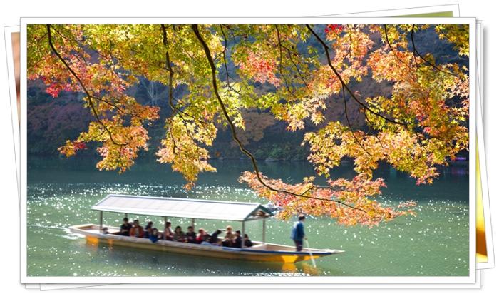 嵐山 保津川下りの紅葉