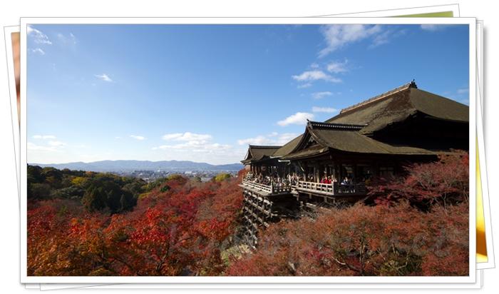 京都 清水寺の舞台と紅葉