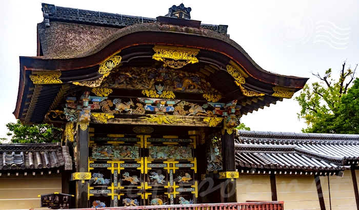 西本願寺の国宝 唐門