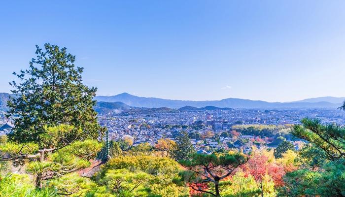 常寂光寺の多宝塔からみた嵯峨野の風景