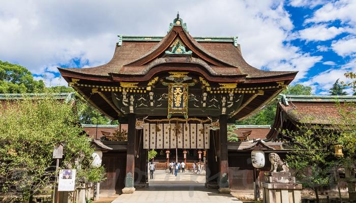 北野天満宮 重要文化財の中門(三光門)