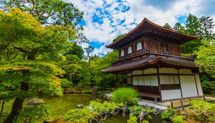 京都の世界遺産 銀閣寺(東山慈照寺)の観音殿(銀閣)