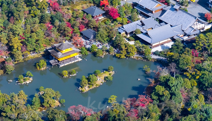 京都の世界遺産 金閣寺(鹿苑寺)の舎利殿