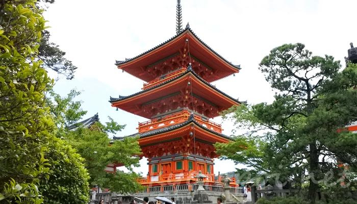 京都の世界遺産 清水寺の三重塔