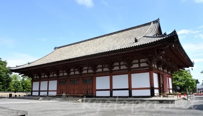 京都の世界遺産 東寺(教王護国寺)の講堂