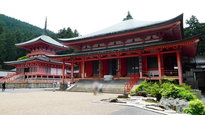 京都の世界遺産 比叡山延暦寺の東塔と阿弥陀堂