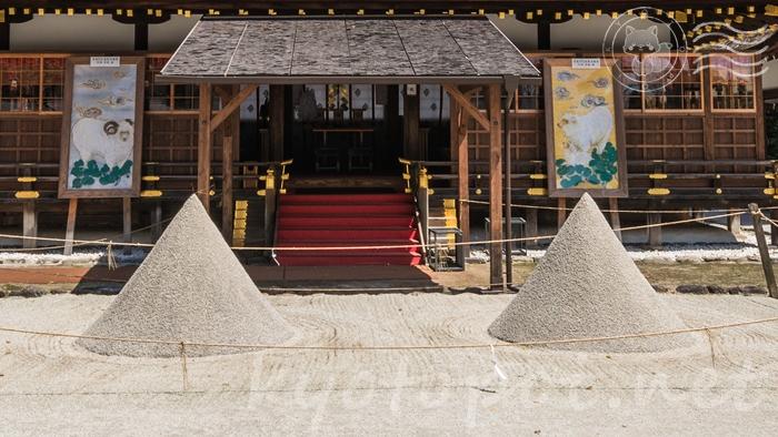 京都の世界遺産 上賀茂神社(賀茂別雷神社)の立砂