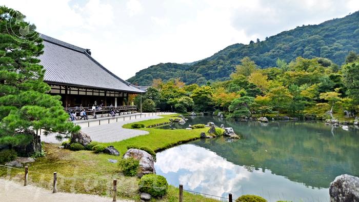京都の世界遺産 天龍寺の曹源池庭園