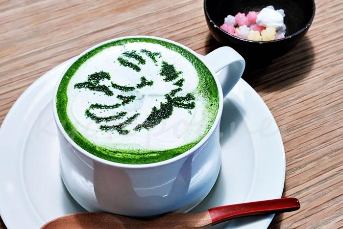 京都伏見の伊藤軒カフェのつるラテ