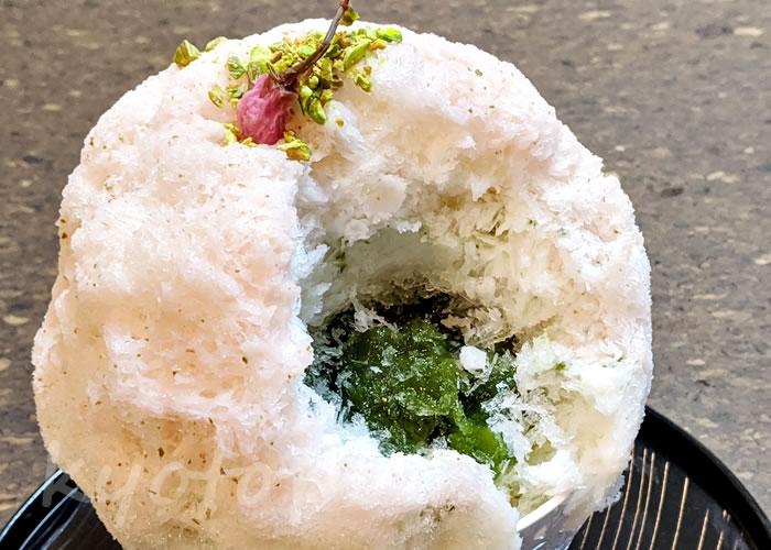 京都 鹿の子のかき氷「桜ピスタチオ」