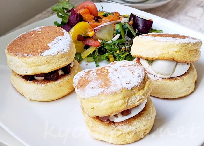 京都山科ライオンカフェのテイクアウトできるパンケーキ「パンド」