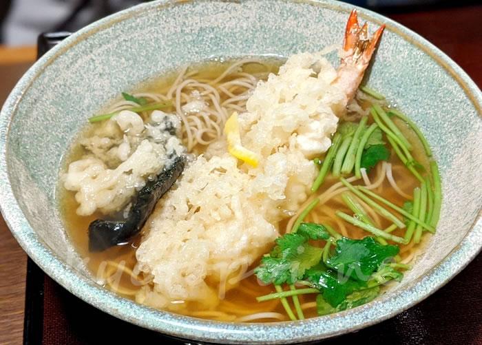 京都の蕎麦屋 本家田毎の天ぷらそば