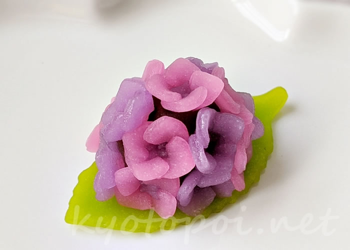 ニキニキ季節の生菓子 2020年6月の紫陽花