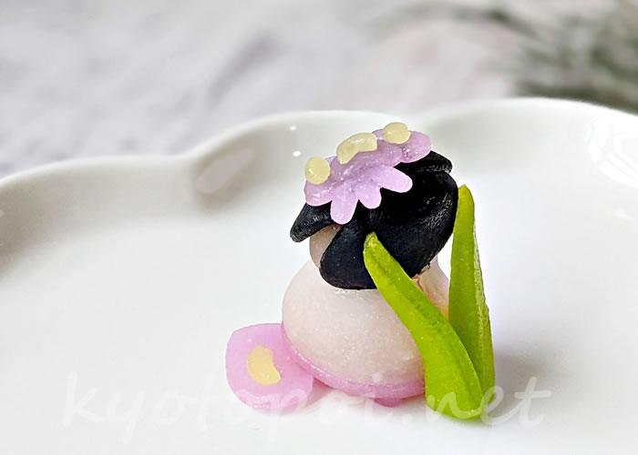 ニキニキ季節の生菓子 2021年5月「カキツバタ」