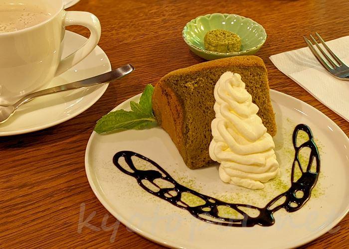 高台寺 cafe KawataRo(カフェかわたろう)シフォンケーキ